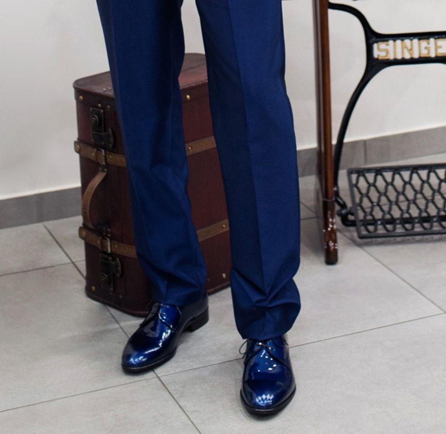 cacaa4339f Abito blu uomo elegante: quale scarpe abbinare?